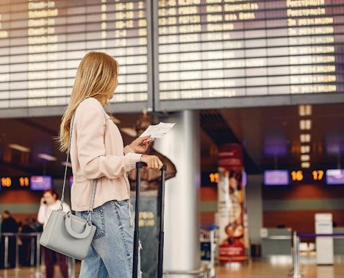 تمدید محدودیت سفرهای خارجی به کانادا