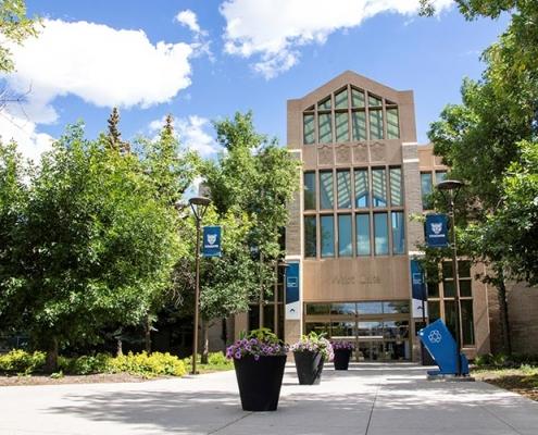 آموزش مجازی دانشگاه مونت رویال