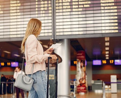 محدودیتهای مسافرتی کانادا تا آخر اکتبر تمدید شد