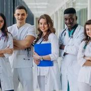 کبک دانشجوهای پرستاری داوطلب به کار را بورسیه میکند